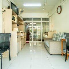 Отель Riski residence Bangkok-noi Таиланд, Бангкок - 1 отзыв об отеле, цены и фото номеров - забронировать отель Riski residence Bangkok-noi онлайн интерьер отеля фото 2