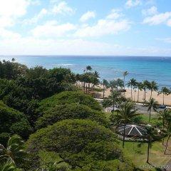 Отель Castle Waikiki Grand Hotel США, Гонолулу - отзывы, цены и фото номеров - забронировать отель Castle Waikiki Grand Hotel онлайн пляж фото 2