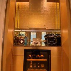 Отель Four Seasons George V Париж в номере фото 2