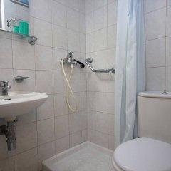 Отель Moschos Hotel Греция, Родос - отзывы, цены и фото номеров - забронировать отель Moschos Hotel онлайн ванная