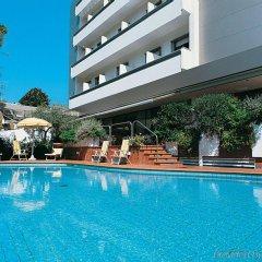 National Hotel бассейн