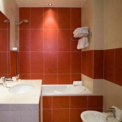 Отель Westminster Hotel & Spa Франция, Ницца - 7 отзывов об отеле, цены и фото номеров - забронировать отель Westminster Hotel & Spa онлайн ванная фото 2