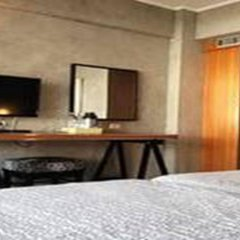 Отель White Palace Bangkok комната для гостей
