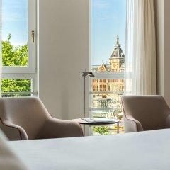 Отель NH Collection Amsterdam Barbizon Palace балкон