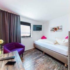 Hotel Sirrah комната для гостей