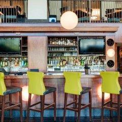 Отель Sandman Hotel Vancouver City Centre Канада, Ванкувер - отзывы, цены и фото номеров - забронировать отель Sandman Hotel Vancouver City Centre онлайн бассейн фото 2