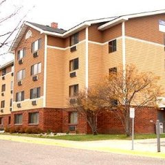 AmericInn Hotel and Suites - Inver Grove Heights спортивное сооружение