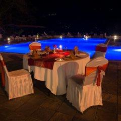 Отель Waterfront by KGH Group Непал, Покхара - отзывы, цены и фото номеров - забронировать отель Waterfront by KGH Group онлайн помещение для мероприятий