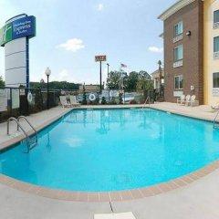 Holiday Inn Express Hotel & Suites Anderson-I-85 бассейн