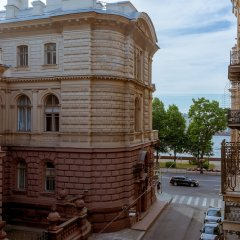Отель City of Rivers Near Hermitage 4 Rooms Санкт-Петербург балкон