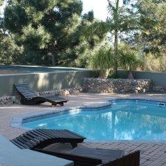 Отель Ilita Lodge бассейн