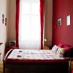 Friends Hostel and Apartments Budapest Будапешт сейф в номере