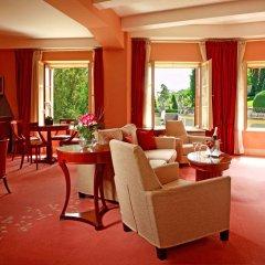 Отель Aria Hotel by Library Hotel Collection Чехия, Прага - 5 отзывов об отеле, цены и фото номеров - забронировать отель Aria Hotel by Library Hotel Collection онлайн гостиничный бар
