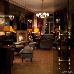 Отель Les Sources Des Alpes гостиничный бар