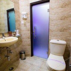 Отель Surya International Индия, Нью-Дели - отзывы, цены и фото номеров - забронировать отель Surya International онлайн ванная фото 2