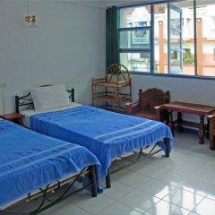 Отель Niku Guesthouse Патонг комната для гостей