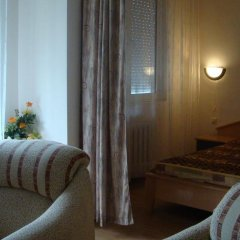 Отель Zhiva Voda Balneohotel Болгария, Сливен - отзывы, цены и фото номеров - забронировать отель Zhiva Voda Balneohotel онлайн комната для гостей фото 4