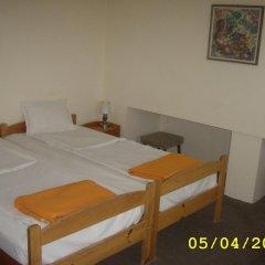 Отель Guest House Slona Болгария, Генерал-Кантраджиево - отзывы, цены и фото номеров - забронировать отель Guest House Slona онлайн сейф в номере