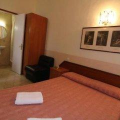 Отель Hostal Rembrandt Испания, Барселона - отзывы, цены и фото номеров - забронировать отель Hostal Rembrandt онлайн комната для гостей фото 4