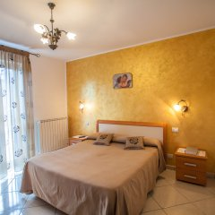 Отель Haidi House Bed and Breakfast Аджерола комната для гостей