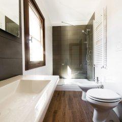 Отель Bed and Breakfast Letterario Италия, Фьюмичино - отзывы, цены и фото номеров - забронировать отель Bed and Breakfast Letterario онлайн ванная