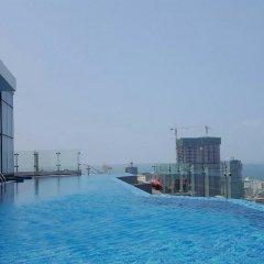 Отель Cinnamon RED Colombo Шри-Ланка, Коломбо - отзывы, цены и фото номеров - забронировать отель Cinnamon RED Colombo онлайн бассейн фото 2