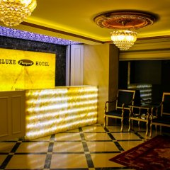 Deluxe Newport Hotel развлечения