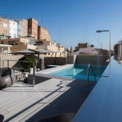 Отель Vincci Mercat бассейн