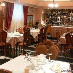 Отель Art Hotel Nirvana Албания, Тирана - отзывы, цены и фото номеров - забронировать отель Art Hotel Nirvana онлайн гостиничный бар
