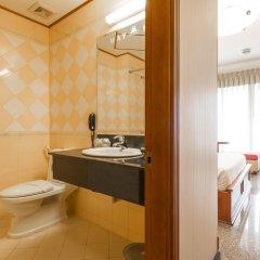 Отель May Hotel Вьетнам, Хошимин - отзывы, цены и фото номеров - забронировать отель May Hotel онлайн ванная фото 2