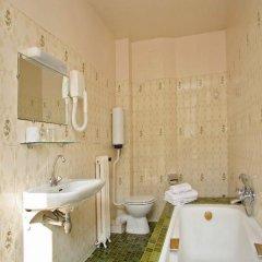 Отель Hôtel Nord Et Champagne Франция, Париж - 14 отзывов об отеле, цены и фото номеров - забронировать отель Hôtel Nord Et Champagne онлайн ванная