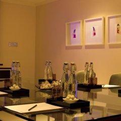 Отель Radisson Blu Edwardian, Leicester Square Великобритания, Лондон - отзывы, цены и фото номеров - забронировать отель Radisson Blu Edwardian, Leicester Square онлайн питание фото 2