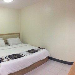 Отель Nana Best Inn Бангкок комната для гостей фото 4
