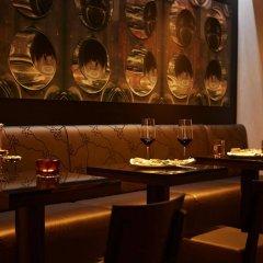 Отель Steigenberger Grandhotel Handelshof Leipzig Германия, Лейпциг - 1 отзыв об отеле, цены и фото номеров - забронировать отель Steigenberger Grandhotel Handelshof Leipzig онлайн гостиничный бар
