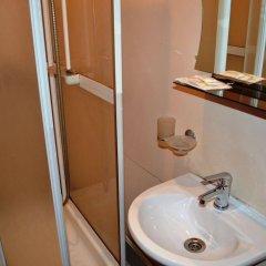 Отель Меблированные комнаты Ринальди у Петропавловской Санкт-Петербург ванная фото 2