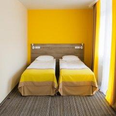Гостиница Raziotel Kyiv Yamska комната для гостей