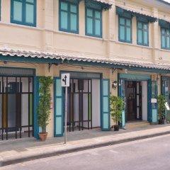 Neighbor Phuthon Boutique Hostel Бангкок парковка