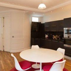 Отель Spacious apartement 2 bedrooms Париж в номере