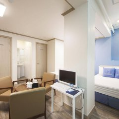 Отель K-guesthouse Sinchon 2 комната для гостей фото 3