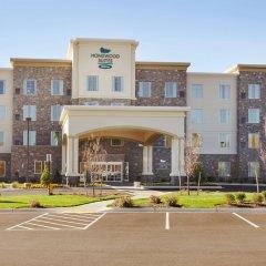 Отель Homewood Suites by Hilton Frederick парковка
