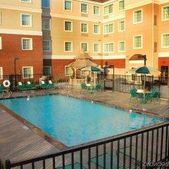 Отель Staybridge Suites Sacramento Airport Natomas бассейн