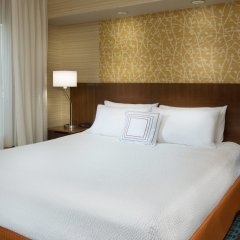 Отель Fairfield Inn & Suites by Marriott Columbus OSU США, Колумбус - отзывы, цены и фото номеров - забронировать отель Fairfield Inn & Suites by Marriott Columbus OSU онлайн комната для гостей фото 5