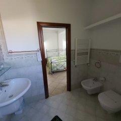 Отель Il ritrovo delle Volpi Италия, Аджерола - отзывы, цены и фото номеров - забронировать отель Il ritrovo delle Volpi онлайн ванная фото 2