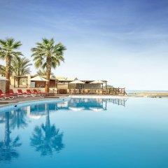 Отель The Cove Rotana Resort бассейн фото 6