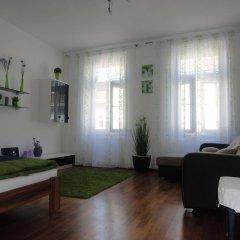 Отель Flatprovider - Comfort Gauss Apartment Австрия, Вена - отзывы, цены и фото номеров - забронировать отель Flatprovider - Comfort Gauss Apartment онлайн комната для гостей фото 2
