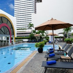 Отель BelAire Bangkok Бангкок бассейн