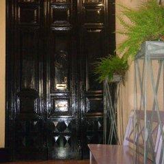 Отель Gay Hostal Puerta del Sol Испания, Мадрид - 1 отзыв об отеле, цены и фото номеров - забронировать отель Gay Hostal Puerta del Sol онлайн интерьер отеля