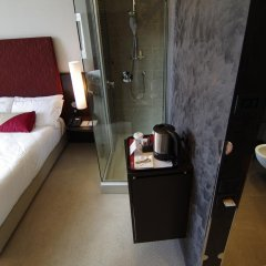 Hi Hotel Bari сейф в номере