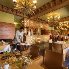 Отель Michlifen Ifrane Suites & Spa интерьер отеля