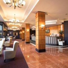 Отель Jurys Inn Edinburgh Великобритания, Эдинбург - 2 отзыва об отеле, цены и фото номеров - забронировать отель Jurys Inn Edinburgh онлайн интерьер отеля фото 2